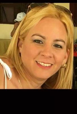 Yaritza, Nails Specialist